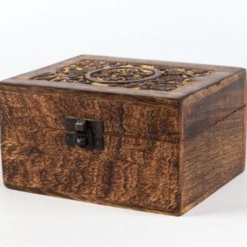 Drewniane pudełko na 12 olejków