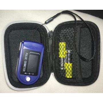 Zestaw Pulsoksymetr  + etui + smyczka + baterie