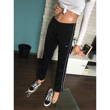 spodnie sportowe Nike S
