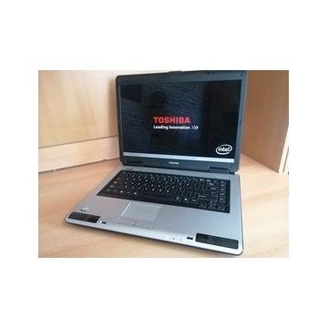 Laptop TOSHIBIA Satellite L40-17U