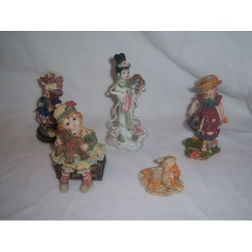 5 figurek z modeliny lalki