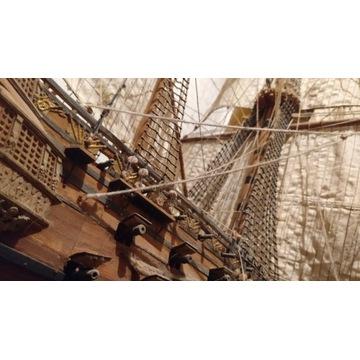 Okręt Ingermanland w skali 1:100 (z stelażem)
