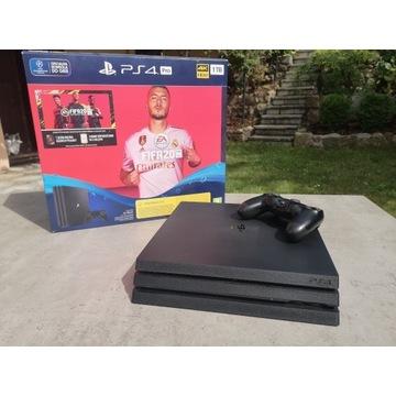 PS4 Pro 1TB + SSD MX500 250GB Gwarancja 13msc