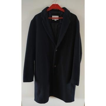 Czarny klasyczny męski płaszcz wełna L Pull%bear