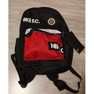 Plecak Nike F.C. czarny 25l W-wa
