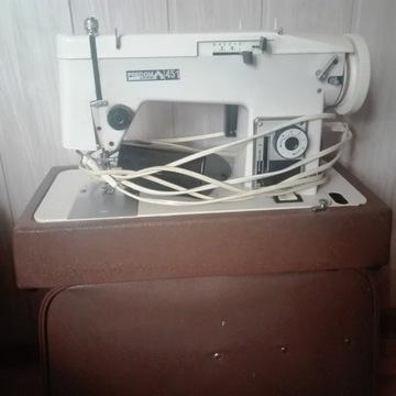 Maszyna do szycia Łucznik 451 + walizka