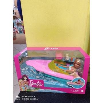 Motorówka z lalką Barbie