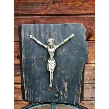 Krzyż na drewnie