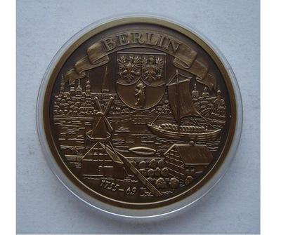 Германия ?????????? Медаль Исторические города Берлин