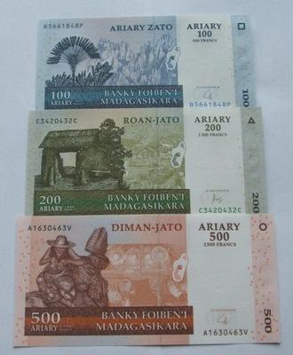ZESTAW BANKNOTÓW MADAGASKAR - Z PACZKI BANKOWEJ
