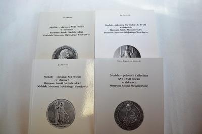 Медали в Музее штуки medalierskiej I-IV