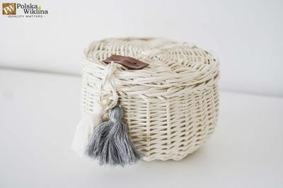 Шкатулка плетеная с chwostami большая белая