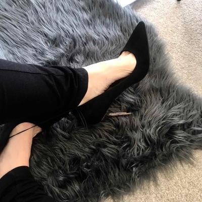 PRIMARK buty SZPILKI czarne zamszowe złota szpilka