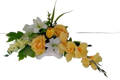 Stroik wiosenny grób cmentarz lilie