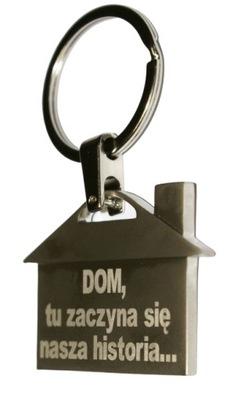 Красивый брелок дом с гравер хата home на ключи