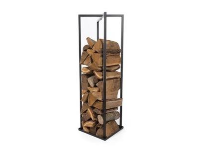 Stáť na drevo v obývacej izbe 118 cm