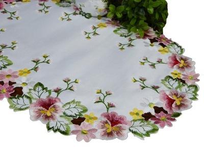 салфетка вышитая 30x45cm овал белая цветы