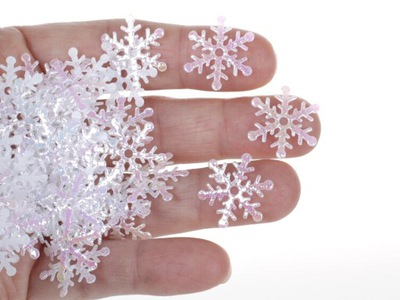 Konfetti śnieżynki dekoracyjne metalizowane 300 G1