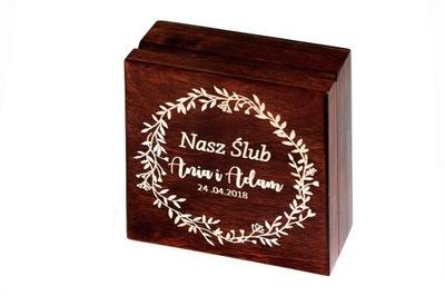 Drewniane pudełko na zdjęcia 10x10