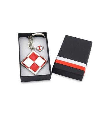 комплект брелок и wpinka шахматная доска коробка польский