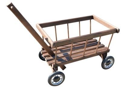 Drabiniasty Drevených vozňov v Záhrade