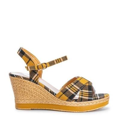 Żółte sandały na koturnie w kratkę A89937 36