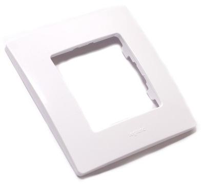 Рамка одиночная белая Legrand Niloe 665001