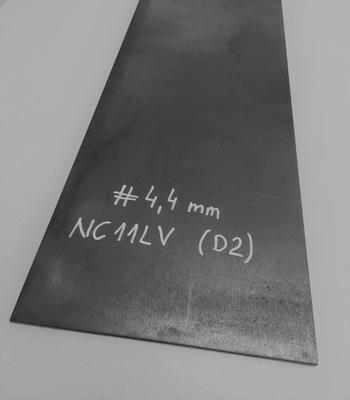 Stal NC11LV / D2 /1.2379, formatka #4,4x40x300 mm