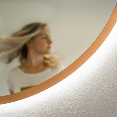 Kruhové zrkadlo s medeným rámom 50 cm, LED