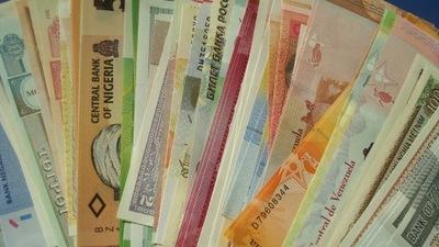 Банкноты Мира х 100 UNC каждый другой