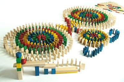 Farebné Domino Drevené Bloky 830 ks DABO