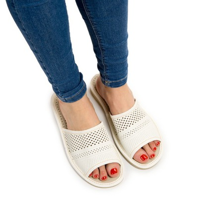 Skórzane pantofle damskie góralskie ciapy BIAŁE