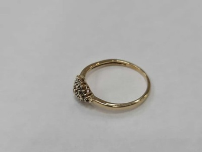 Apart! Piękny pierścionek/ 585/ 0.14 CT!/R10/1.45g