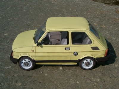 Модель картонный Fiat 126p масштаб 1 :10