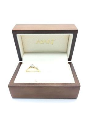 Złoty pierścionek z brylantem 0,06ct |p.585| r.14