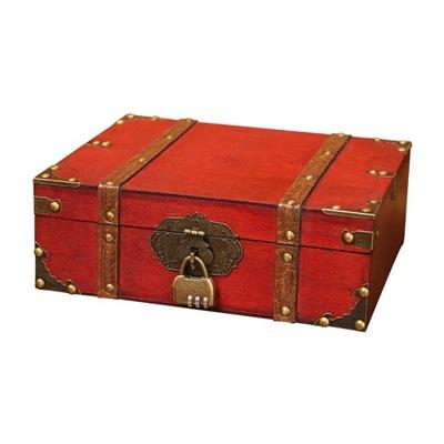 Antyczne zabytkowe drewniane pudełko mały zamek