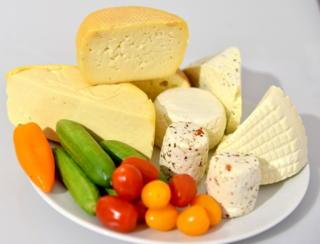 комплект доска сыров ок. 2 кг