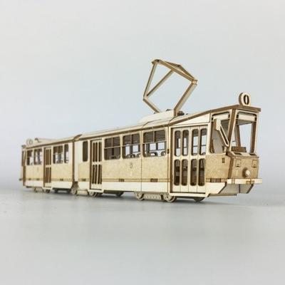 Model z tektury - Tramwaj Konstal 102N skala 1:72