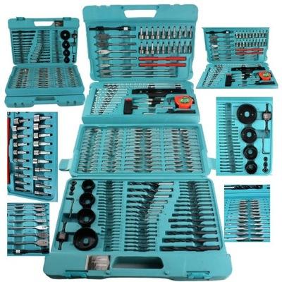 комплект инструментов в чемодане много деталей, сверла биты