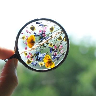 hit, naszyjnik z prawdziwymi kwiatami