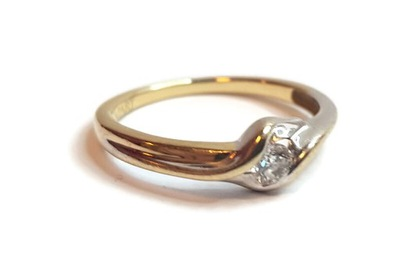 Wyrób jubilerski - pierscionek 585 1,59g DIAMENT
