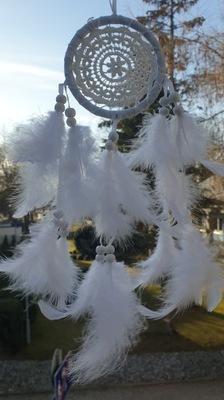 Łapacz snów biały pióra koronka 26 cm