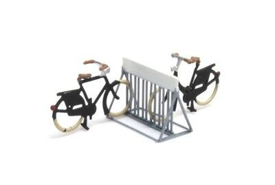 Стенд с Велосипедами готов Модель N 1 :160 Artitec