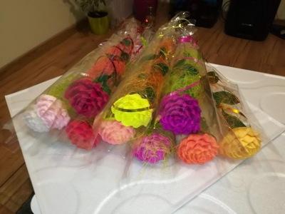 Kwiaty róże z bibuły krepiny dzień nauczyciela