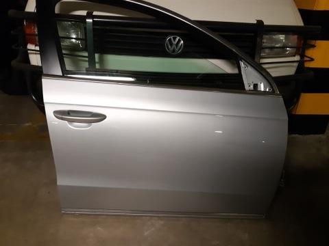 Дверь VW Passat b 7 правая передняя LA7W