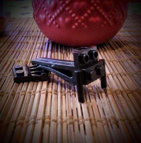 VENDO SUJECIONES DE AUTOMÓVIL AL FIGURKI LEGO