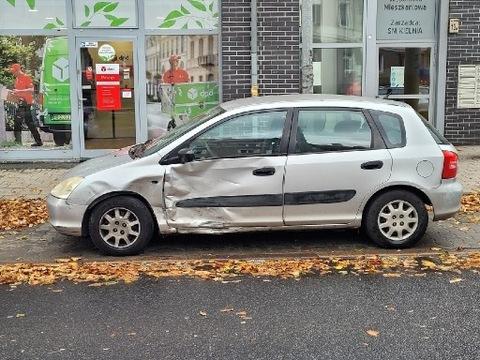Honda civic 2001 uszkodzona.