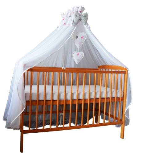 Baldachim z tiulu osłoni całe łóżeczko - wzory