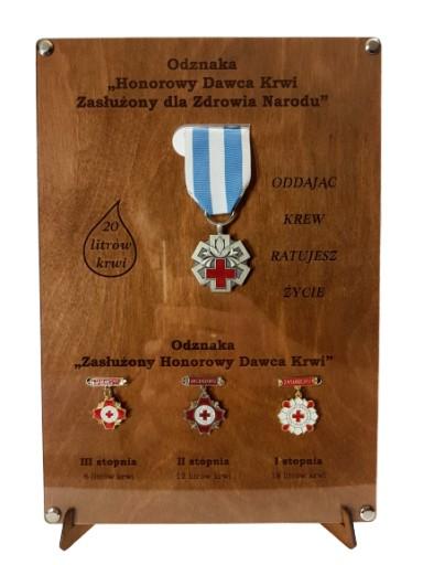 Ekspozytor NEW na odznaki zasłużonego HDK prem