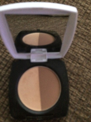 4.32 AVON bronzer Mark 8301536038
